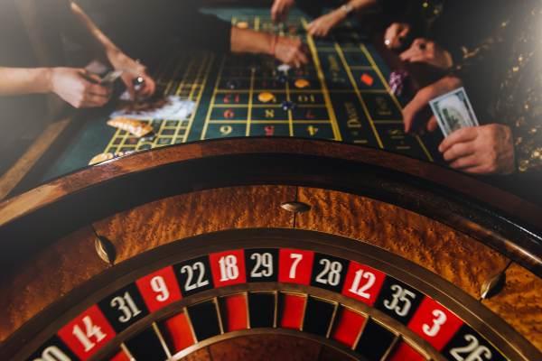 Jugar poker online gratis casas de apuestas legales en Santiago-409915