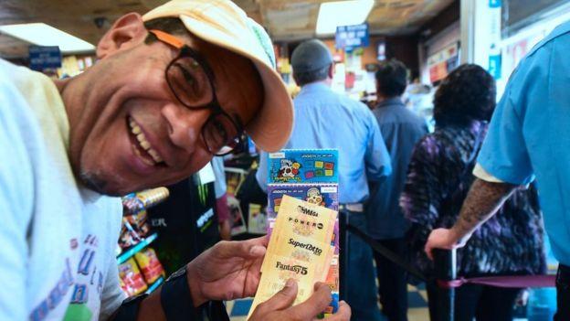 Gana premios reales comprar loteria euromillones en USA-243285