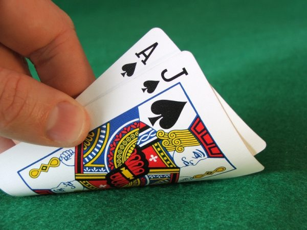 Como jugar blackjack en casa carreras de caballos virtuales-636402