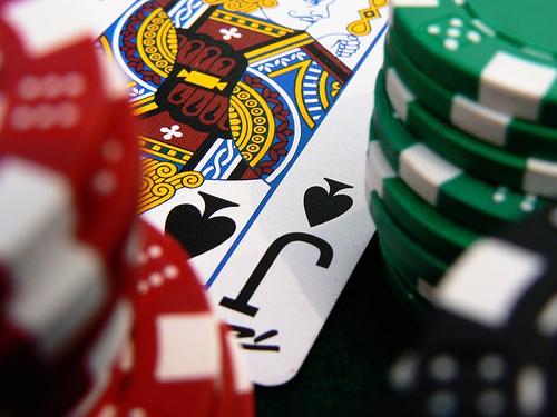 Jugar al poker on line qué son las apuestas deportivas-883693