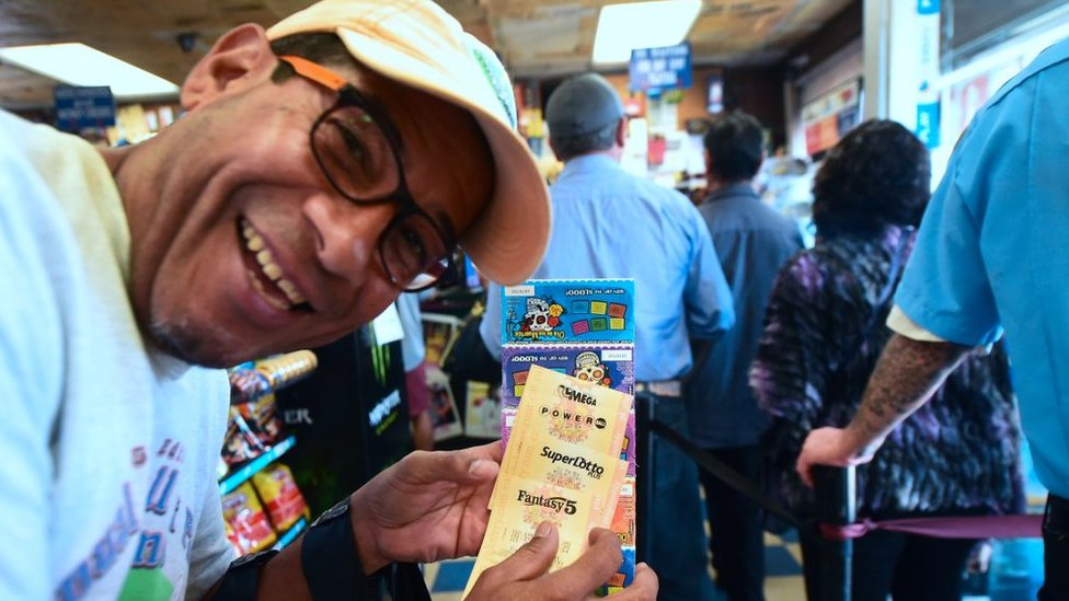 Gana premios reales comprar loteria euromillones en USA-502574